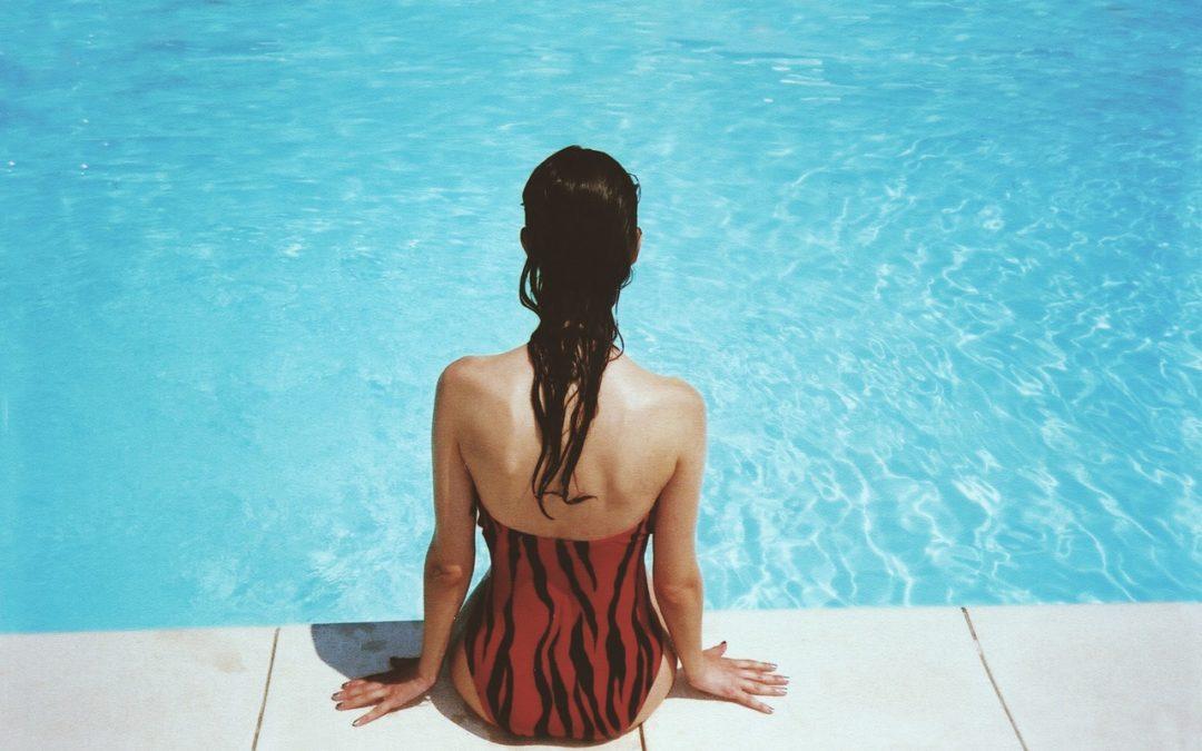 10 consejos básicos para cuidar el agua de piscinas