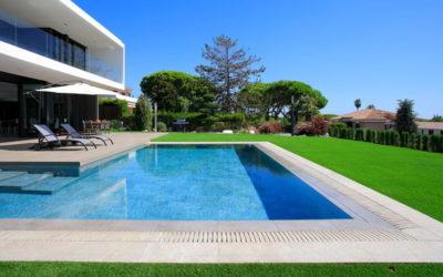 ¿Qué son las piscinas desbordantes y cómo funcionan?